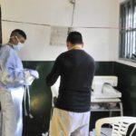 Internos de la Seccional 4° de Trelew confeccionan indumentaria para el personal de Salud del Hospital Zonal