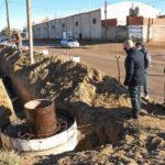 Sastre supervisó el avance de las obras de cloacas en el barrio Bahía Nueva